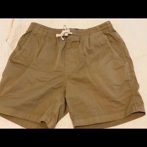 MEN'S flat front, tie Bermuda shorts